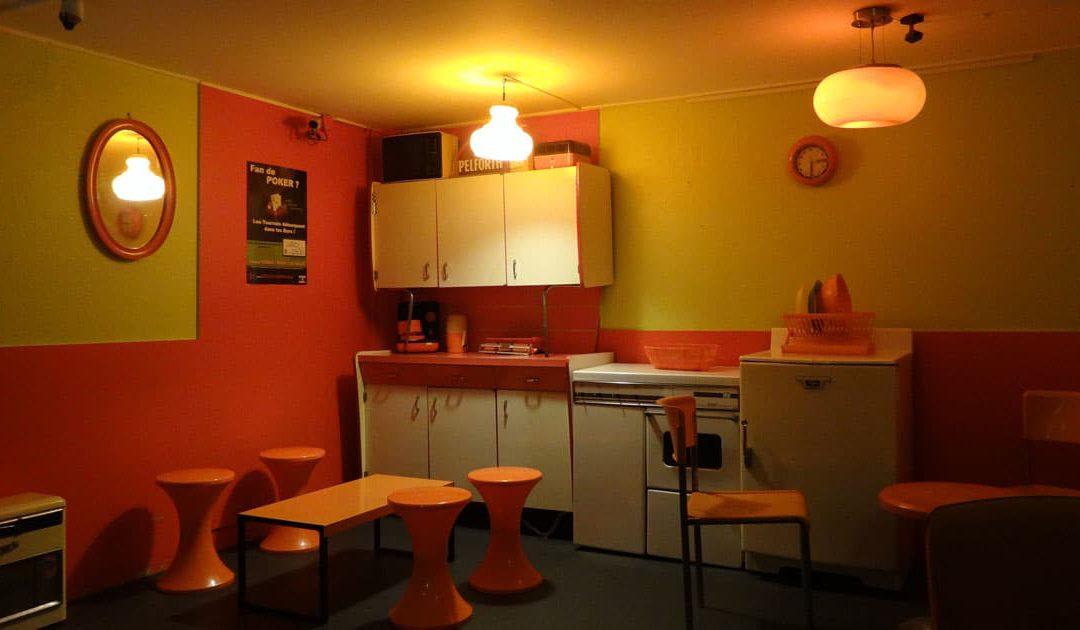 La Maison Café, Bar