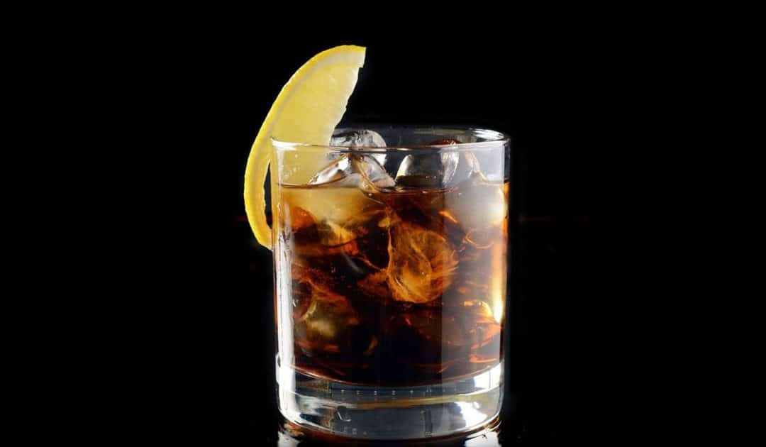 Un cocktail de légende : Le Whisky Coca