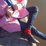 Sprezzing sur les bords de l'Erdre avec une veste en motif pied-de-poule de chez Hockerty